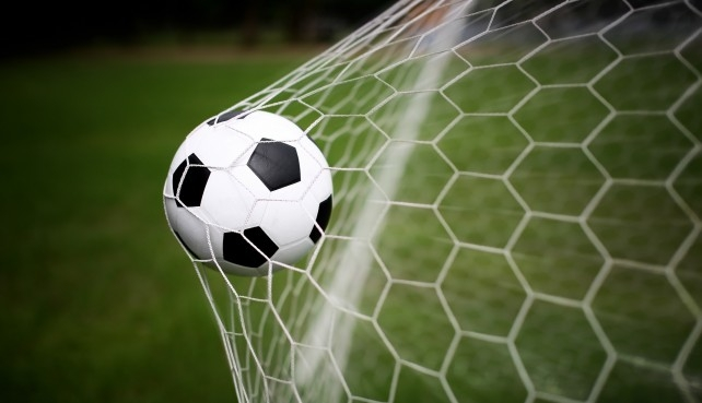 Nem lőttek, de nem is kaptak gólt a focisták
