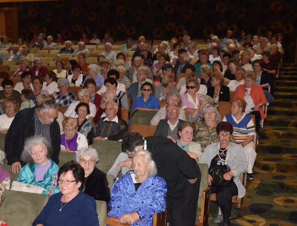 A dombóvári időseket ünnepelték