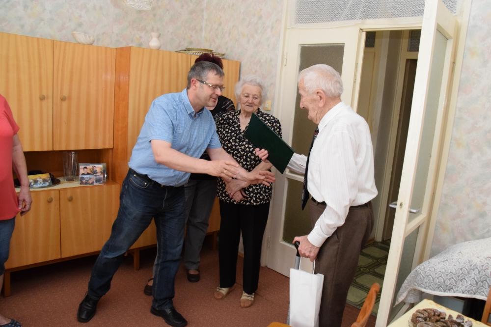 90 éves János bácsi