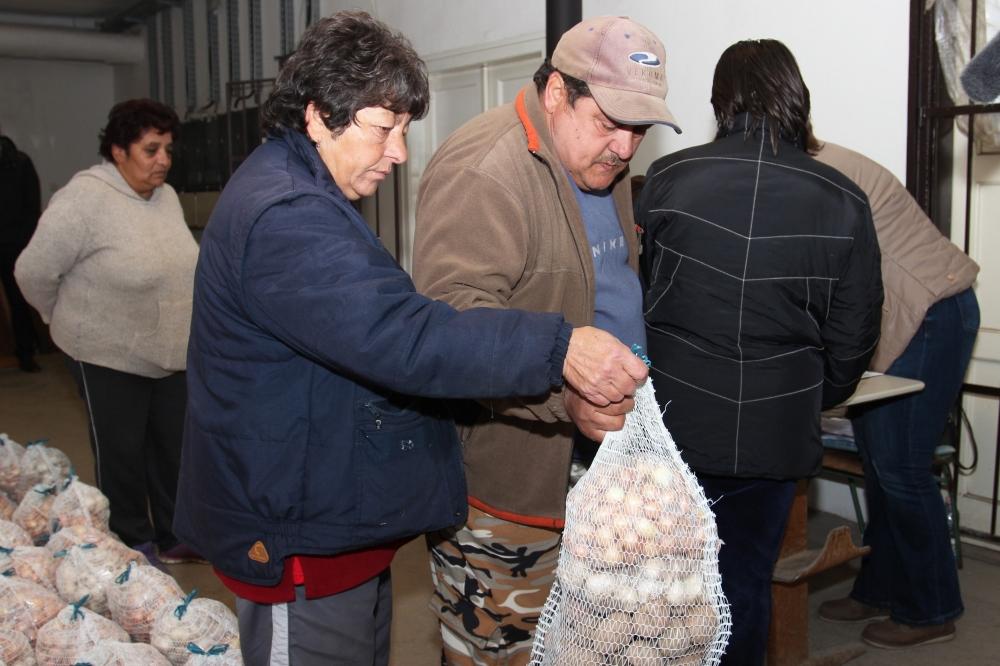Több kilónyi zöldséget kapott 600 rászoruló