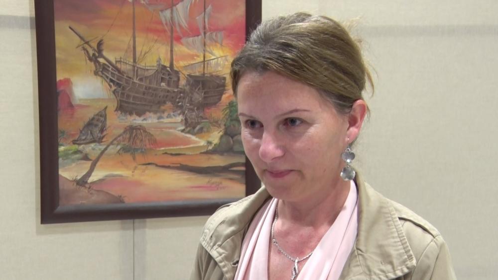 Kapinya Krisztina először mutatta meg festményeit