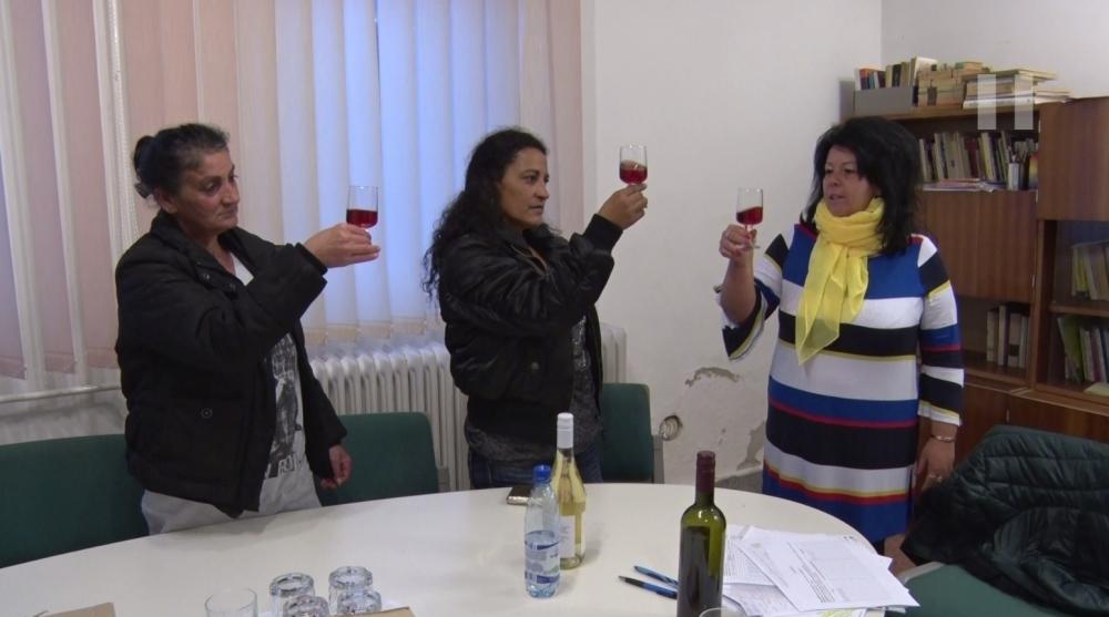 Szőlőművelést tanulnak és bort kóstolnak