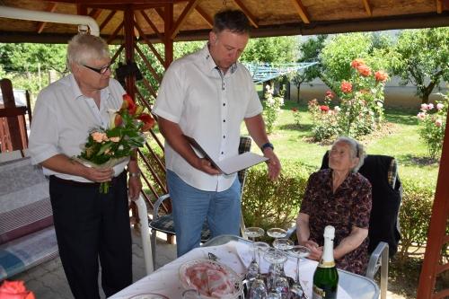90 éves lett Kató néni