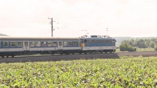 Új síneken zakatol a vonat